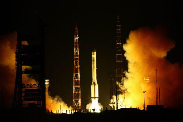 Russia's Proton-M carrier rocket put three GLONASS satellites into orbit on Thursday. - Sputnik International