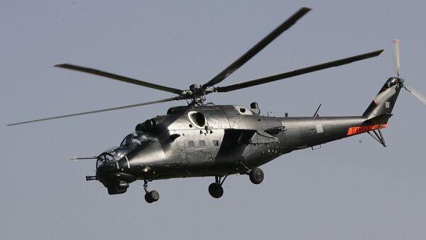 A Mi-35M Hind E attack helicopter - Sputnik International