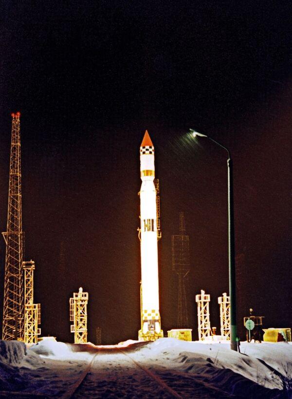 Russia launches military satellite - Sputnik International