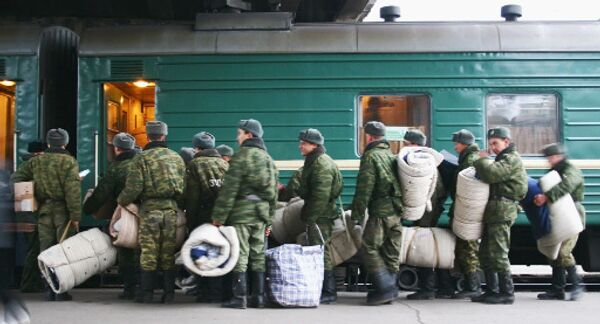 Russian military looks to extend draft age - Sputnik International