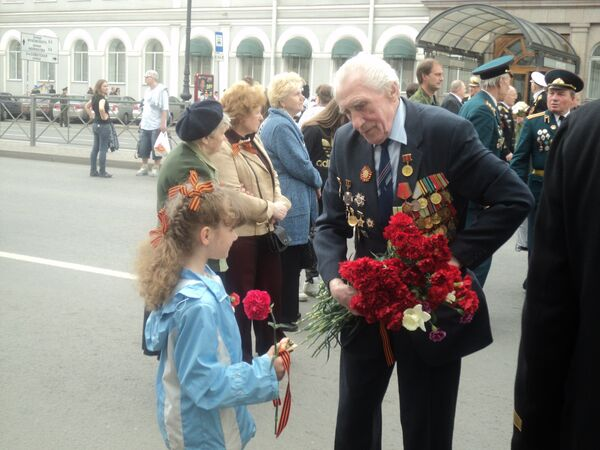 More than 4.2 mln people celebrated Victory Day on Moscow streets - Sputnik International