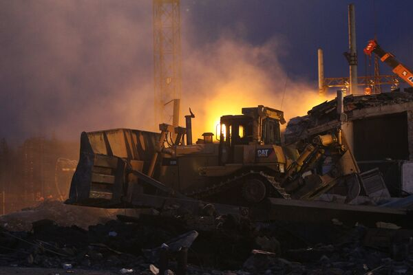 Fires at West Siberian mine hamper rescue effort - Sputnik International