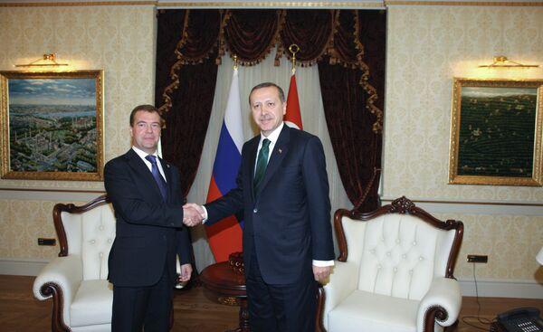 Russia, Turkey could increase trade to $100 bln over 5 yrs - Medvedev - Sputnik International