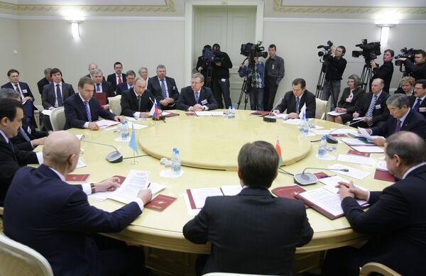Russian Cabinet approves joint customs code with Kazakhstan, Belarus  - Sputnik International
