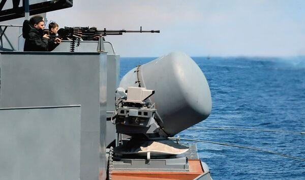 Russian warships to base in Djibouti port to fight piracy  - Sputnik International