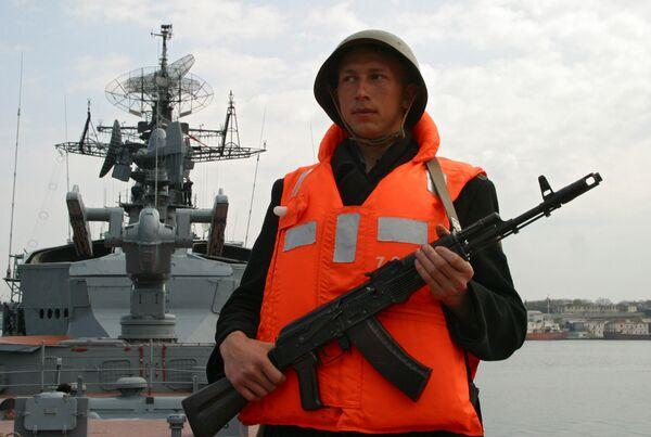 Russian Navy Boosting Security in Crimea – Defense Minister - Sputnik International