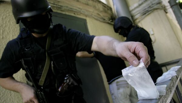 Russian Auditors Find 1Bln Rubles in Drug Police Violations - Sputnik International