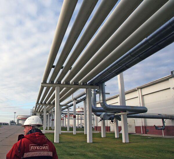 Bulgaria backs off dismissal of oil pipeline with Russia, Greece  - Sputnik International
