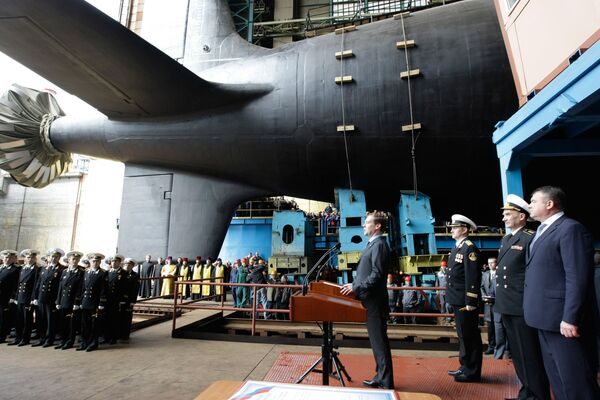 Russia floats out new nuclear submarine  - Sputnik International