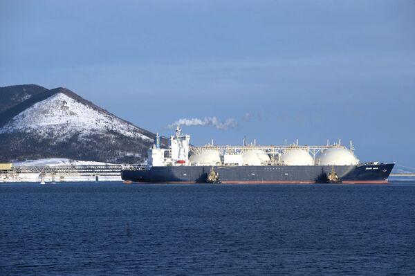 Tanker with LNG (liquefied natural gas) - Sputnik International