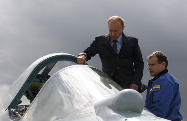 Vladimir Putin in Russia's fifth-generation fighter jet - Sputnik International