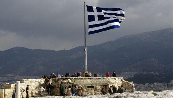 Греческий флаг на смотровой площадке Акрополя - Sputnik International