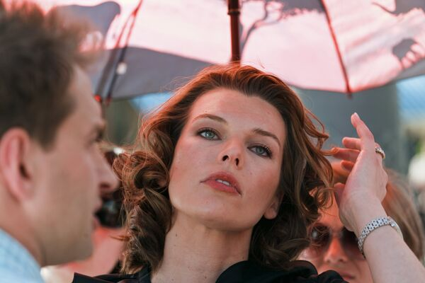 Milla Jovovich plays a Russian in a new film being shot in Moscow - Sputnik International