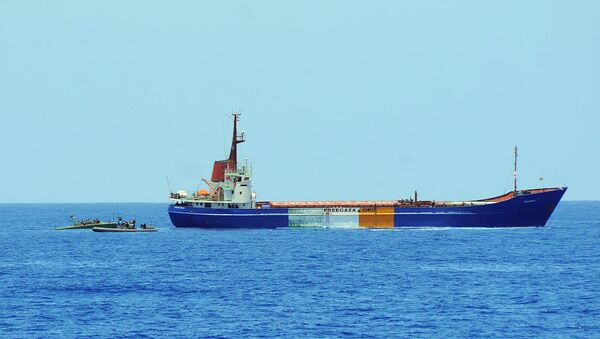 Израильские военные приближаются к седьмому кораблю флотилии - Sputnik International