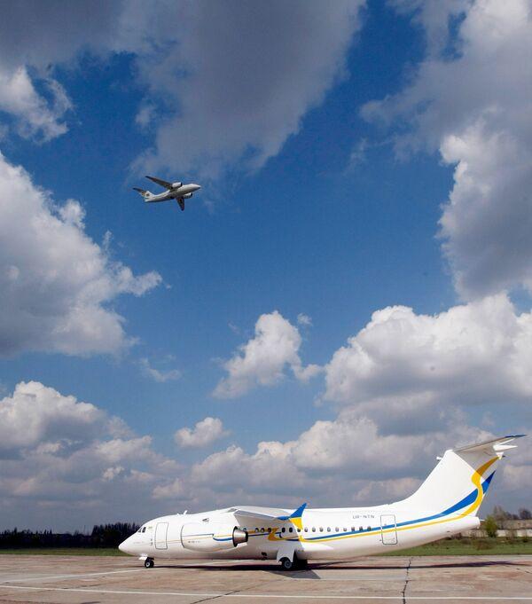 Ilyushin Finance to buy 10 An-158 planes from Ukraine's Antonov - Sputnik International