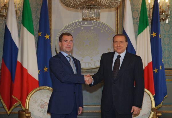 Dmitry Medvedev and Silvio Berlusconi  - Sputnik International