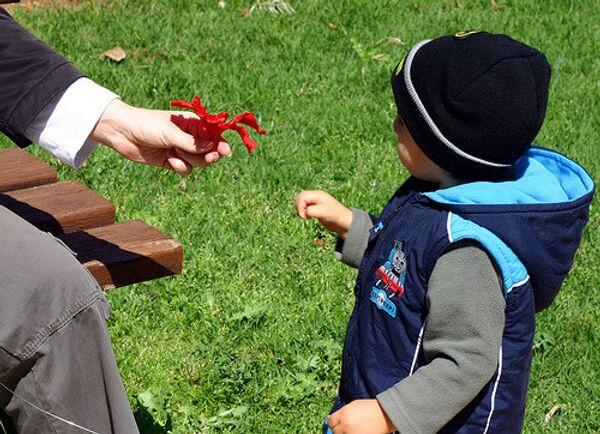 Russia, U.S. agree on text of child adoptions deal - Sputnik International