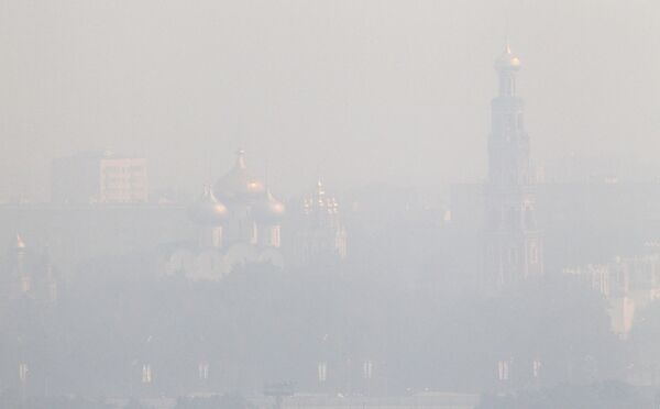 Level of Moscow air pollution exceeds norm tenfold, heat wave continues - Sputnik International