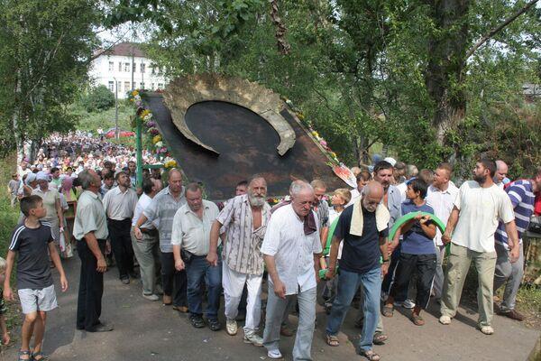 Volga town holds St. Elijas procession  - Sputnik International