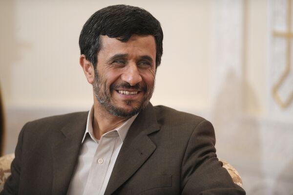 Ahmadinejad wants 'man-to-man' talk with Obama  - Sputnik International
