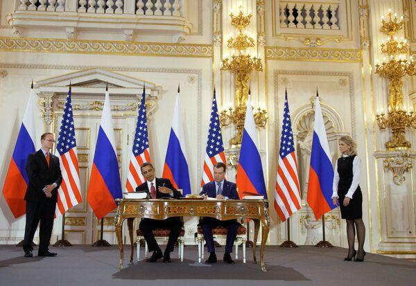 Russian President Dmitry Medvedev and his U.S. counterpart Barack Obama - Sputnik International