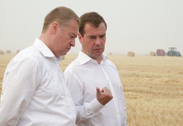 President Medvedev visits drought-hit Russian republic Mari El  - Sputnik International