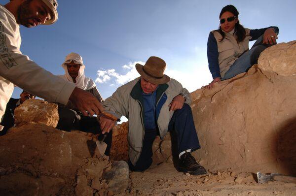 Egyptians uncover statue of Tutankhamun's grandfather - Sputnik International