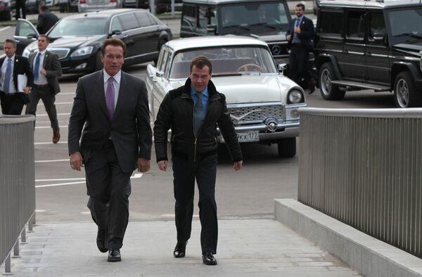 Arnold Schwarzenegger and Dmitry Medvedev  - Sputnik International