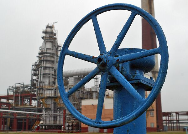 Russia's offer on oil export duties 'the worst' for Belarus - Sputnik International