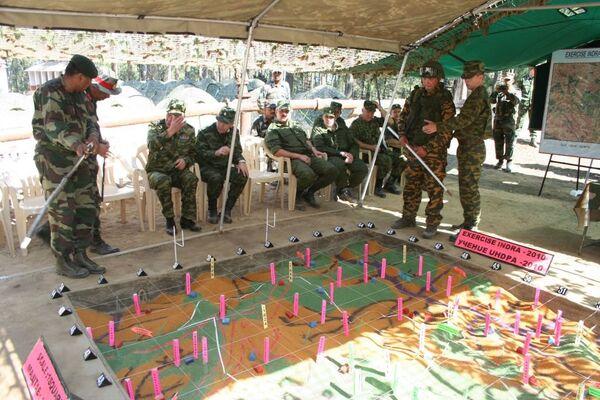 The Indra-2010 joint military exercises - Sputnik International