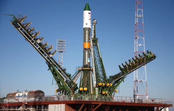 Soyuz carrier rocket with the Progress M-08M cargo spacecraft - Sputnik International