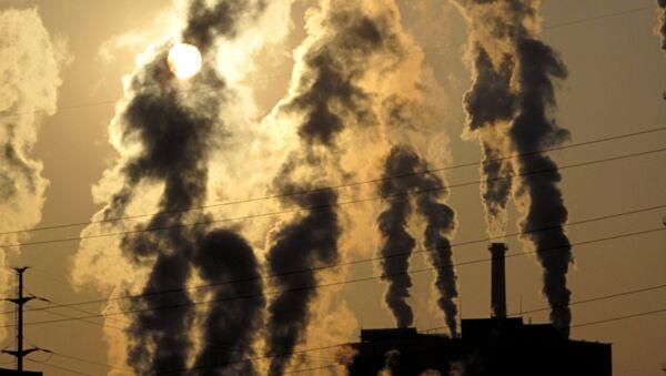 Выброс в атмосферу загрязняющих веществ - Sputnik International