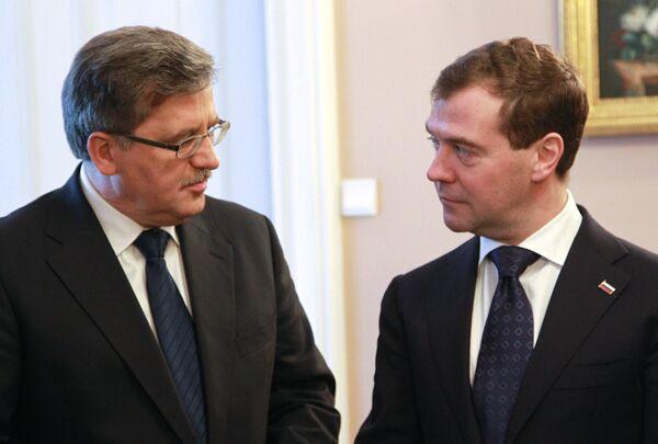 Dmitry Medvedev and Bronislaw Komorowski - Sputnik International