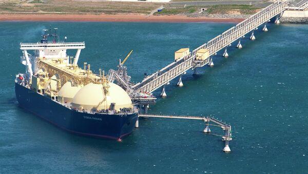 Russia, Japan agree on joint LNG plant in Russian Far East - Sputnik International