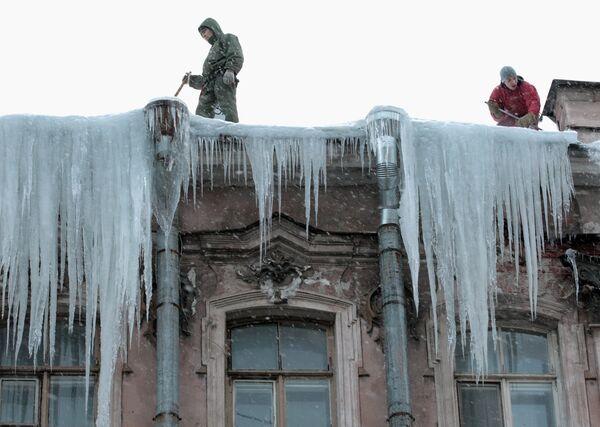 St. Petersburg is buried under snow  - Sputnik International