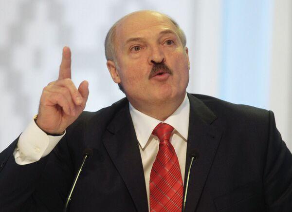 Belarusian President Alexander Lukashenko accused protestors of receiving money for rallying in Belarusian cities. - Sputnik International