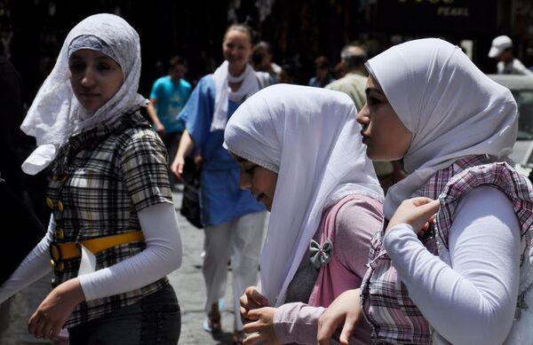 University in Russia's North Caucasus bans Muslim headscarves - Sputnik International