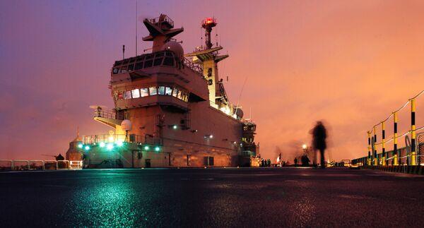 The Mistral-class helicopter carrier Vladivostok is seen at the STX Les Chantiers de l'Atlantique shipyard site in Saint-Nazaire. - Sputnik International