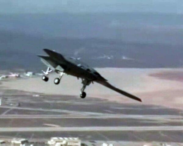 X-47B unmanned combat aerial vehicle makes maiden flight in California - Sputnik International