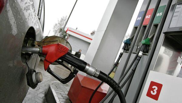 Russia says gasoline duty increase 'temporary' - Sputnik International