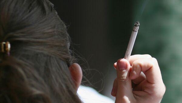 Курение в общественных местах - Sputnik International