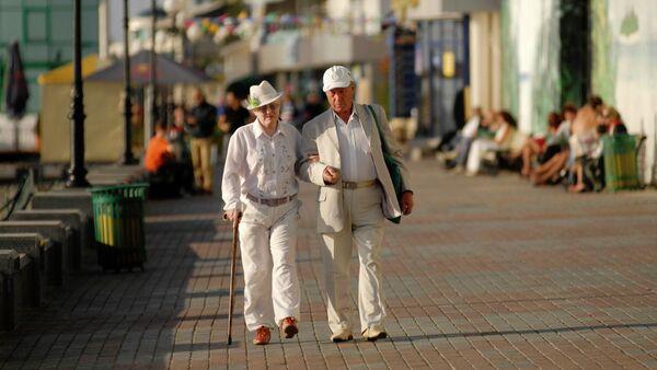 Higher retirement age in Russia 'inevitable' - deputy FinMin - Sputnik International