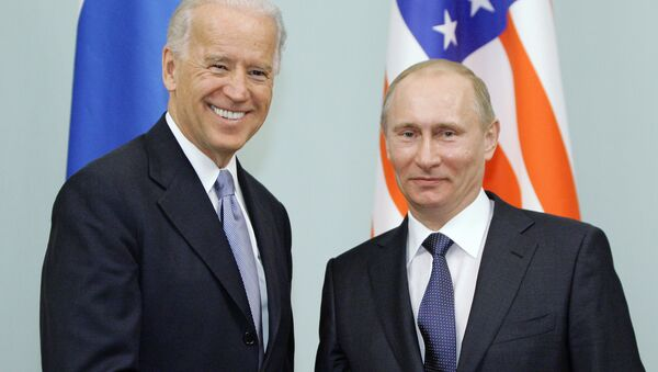US Vice President Joe Biden and Russian Prime Minister Vladimir Putin on 10 March 2011 - Sputnik International