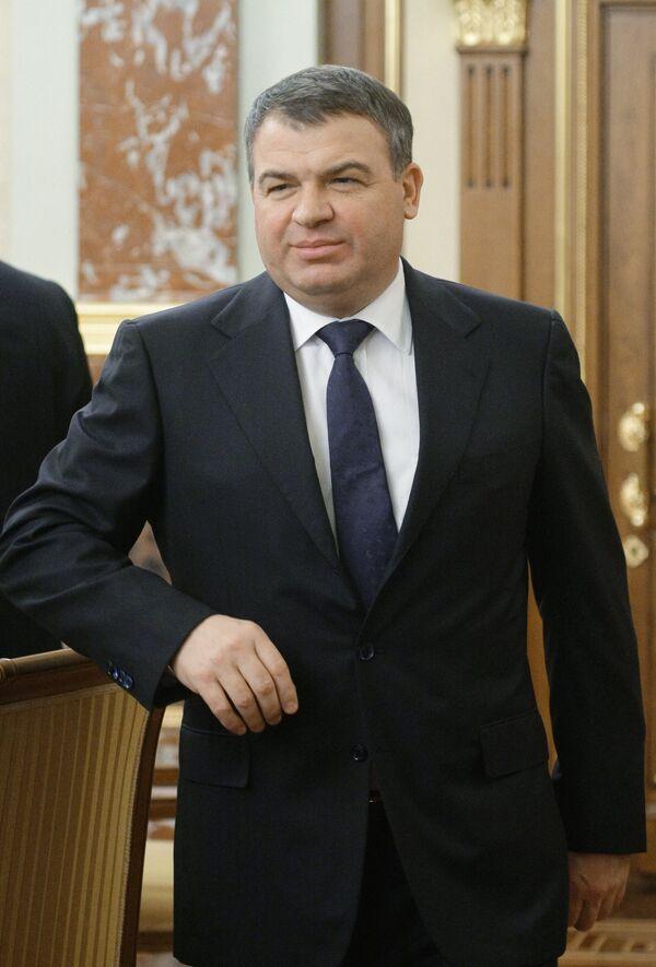 Russian Defense Minister Anatoly Serdyukov - Sputnik International