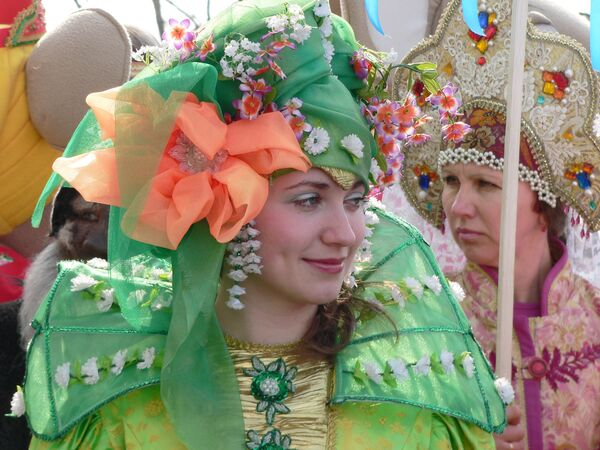 Parade of fairy tale characters in Kostroma   - Sputnik International