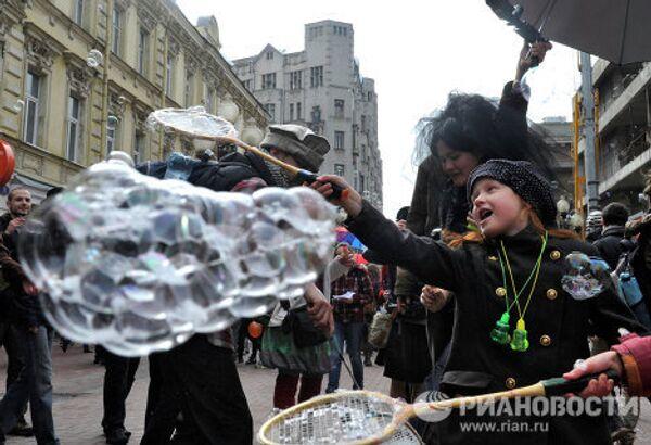 Soap bubble flashmob on Arbat Street - Sputnik International