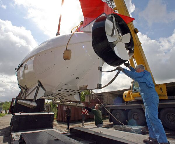 Russian submersibles sent to Switzerland  - Sputnik International