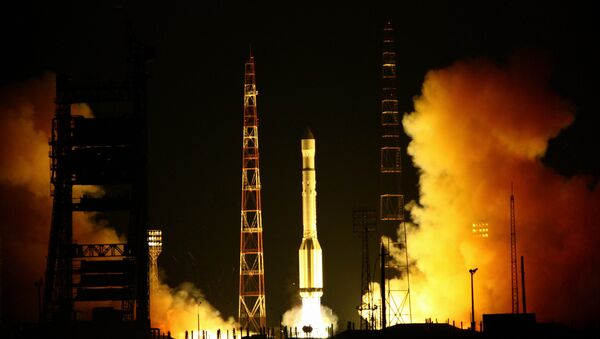 Launch of carrier rocket Proton-M with DM upper stage and a cluster of 3 Glonass-M spacecrafts from Baikonur spaceport - Sputnik International