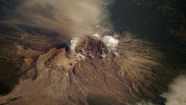 Shiveluch volcano erupts. Files - Sputnik International