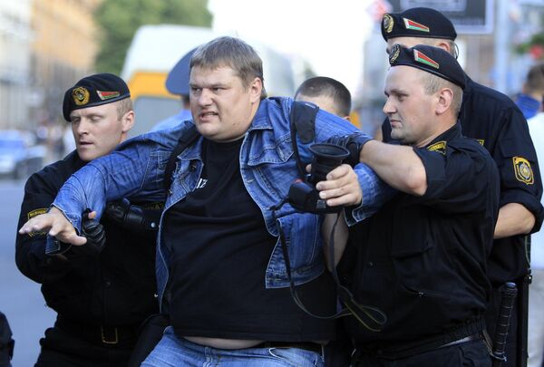 Dozens detained in Belarus protests over economy - Sputnik International